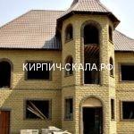дом из облицовочного кирпича с эркером фото
