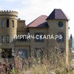 замок из облицовочного кирпича скала