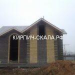 кирпич солома и черный фото дома